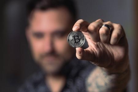 Häufig-gestellte-Fragen-zum-Bitcoin-Trading-und-Investment