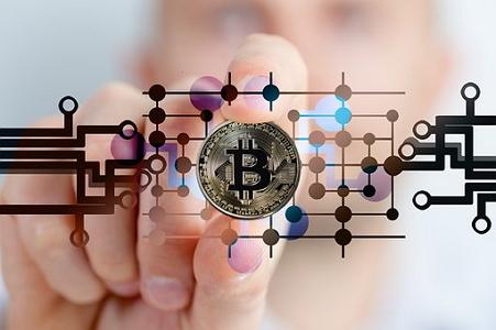 bitcoin-2643159__340.pixabay